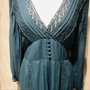 American Eagle Outfitters Dresses - American eagle emerald green long sleeve romper